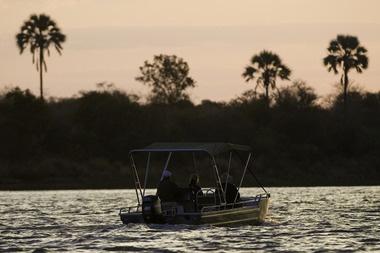 Cruising the Zambezi at Toka Leya