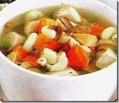 SUP-MAKARONI-SOSIS-AYAM Bahan-bahan Sup Ayam Makaroni  1/2 dada ayam, potong dadu 1 buah wortel, potong melintang 150 gr makaroni, rebus 100 gr kacang polong next http://resepmasakanrahasia.blogspot.com/
