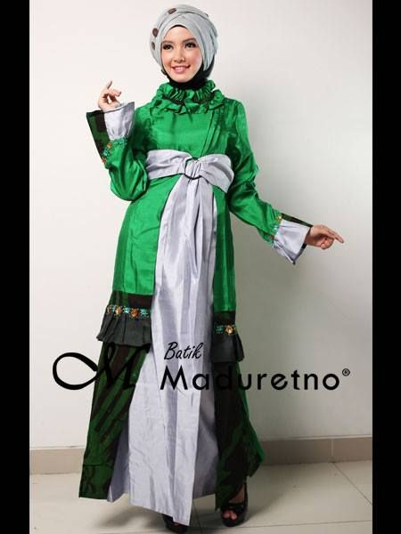 Abaya gamis batik pesta kombinasi, Kode : C-BY-021  Ready size : S, M  Harga : Rp. 395,500   Pemesanan dan info harga bisa melalui inbox Batik Maduretno  atau via SMS only ke 081.703.166.751 or sms/call 081.934639088