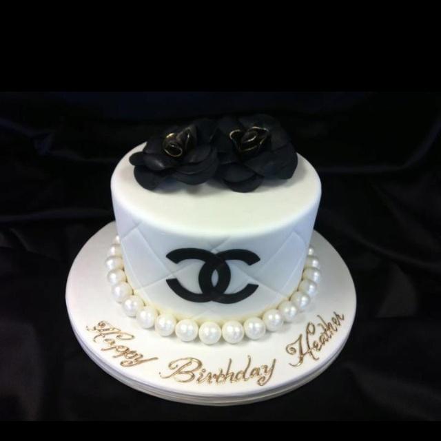 Chanel cake <3 GlamLuxePartyDecor: FREE SHIPPING! Creative, Unique, Personalized Glamorous Designer Party Decorations and keepsakes. Theme party Decor packages. 1st Birthday parties, pink princess tutu, weddings, christenings, holiday celebration, bridal shower, babyshower, bachelorette, Super Bowl, etc. #jacquelineK