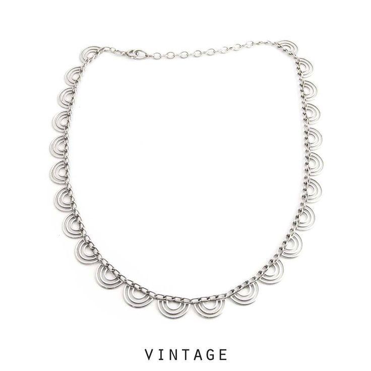 Aurora Patina Art deco halsketting met prachtige zilveren halve maan elementen