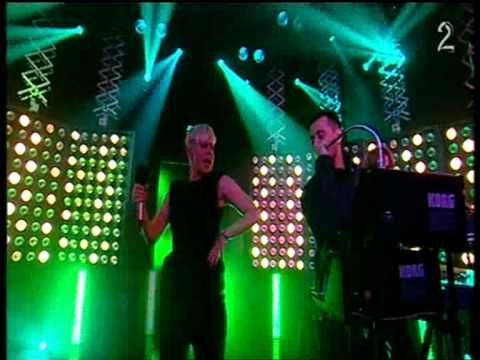 Röyksopp feat.Robyn - The girl and the robot (live Norwegian TV)