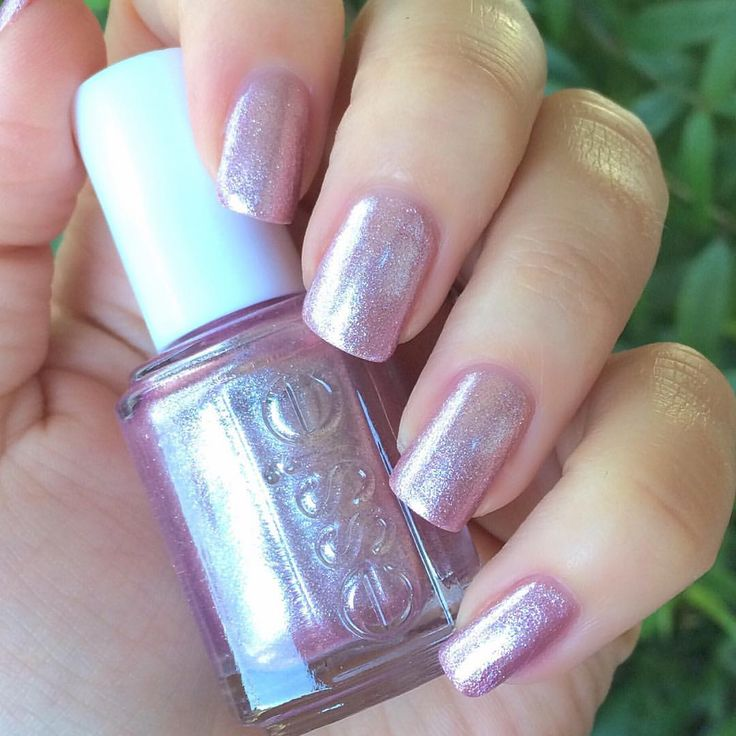 """283 Likes, 9 Comments - Sarah Janovich (@sjs_nails) on Instagram: """"Essie~S'il Vous Play, the namesake of the collection is a """"lavender pink foil"""". I love this one way…"""""""