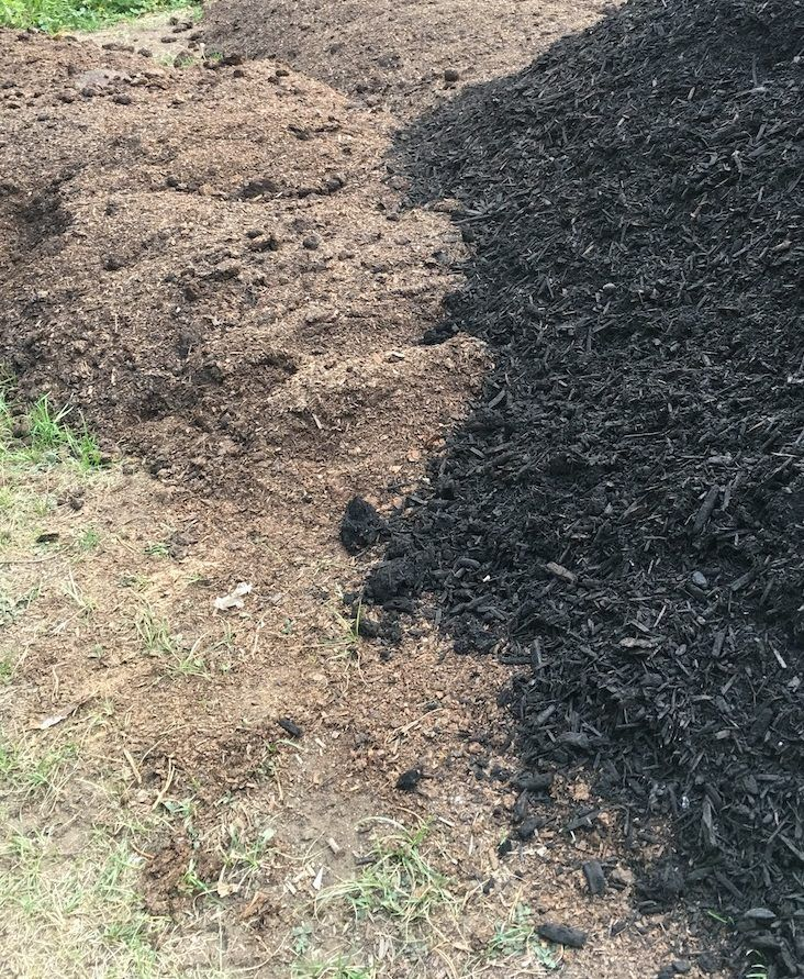There Are So Many Different Types Of Mulch To Choose From! Hereu0027s A Few  Favourites Of Real Gardeners (and Why They Love Them) #mulch #mulching  #barkmulch ...
