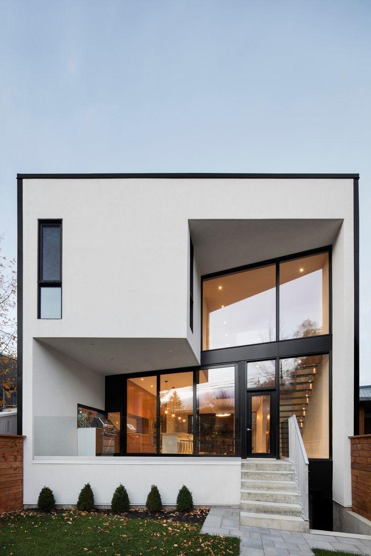 Cette nouvelle maison offre une qualité de vie pavillonnaire tout en sinsérant respectueusement à