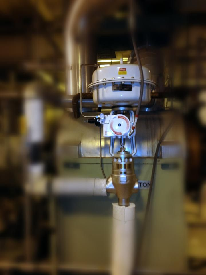 We recently installed 2 boiler feed pump #recirculation valves at a power plant client. These #Flowserve / Gestra valves provide high pressure drop and precision flow control during the startup phase of the customer's steam boiler. Additionally, these valves provide leak-tight shutoff after the unit comes online - providing best efficiency and performance of the pumps. The smart digital positioner and the latest control valve trim design will provide years of trouble-free service.