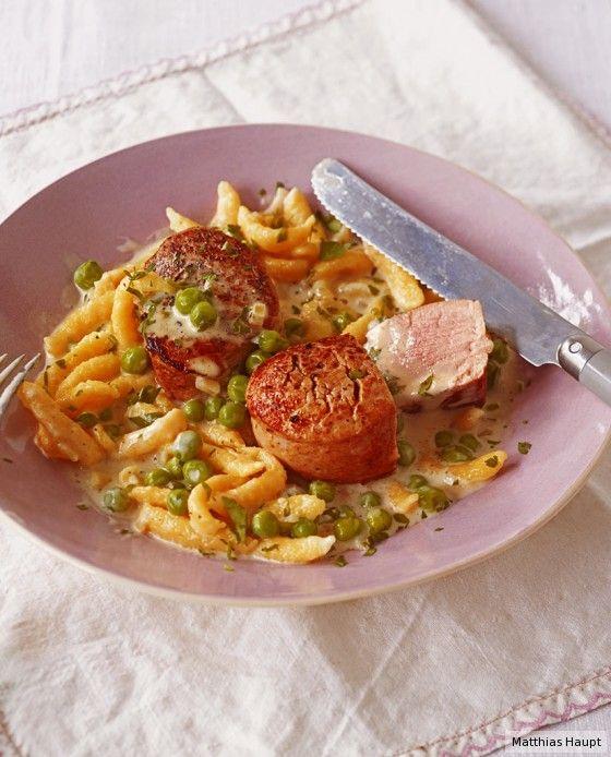 Tolles Sonntagsessen! In nur 35 Minuten stehen Schweinefilet, Sauce und Spätzle auf dem Tisch.