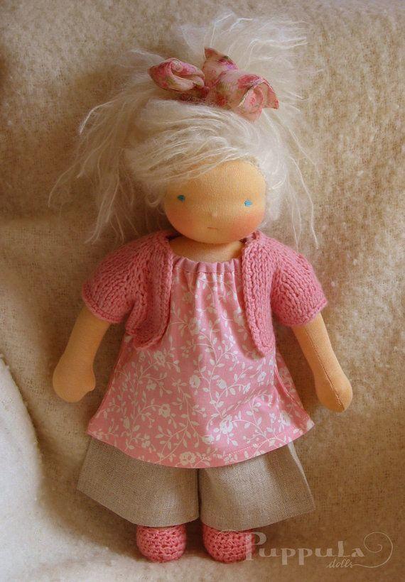 Waldorf Puppe Iva reservierte 15 Zoll/38 cm mit zwei von Puppula