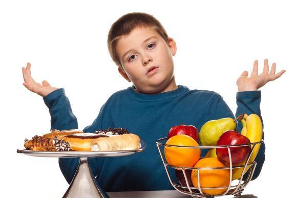 La OMS brinda orientación frente a la obesidad y la desnutrición - http://www.vitadelia.com/alimentacion-y-nutricion/la-oms-brinda-orientacion-frente-la-obesidad-y-la-desnutricion Comidas, desnutrición, obesidad, Obesidad infantil