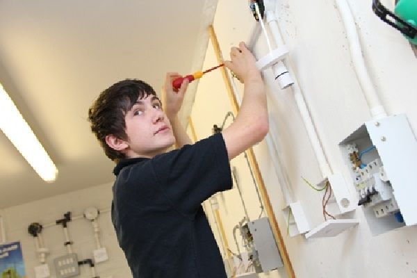 Electricians in Tonbridge? Keep Some Vital Points In Your Mind http://bit.ly/2oaEOKx  #electriciansintonbridge #electricianstonbridge #Localelectriciansintonbridge #electriciansSevenoaks #electriciansinSevenoaks #electriciansCrowborough #StudentVolunteeringWeek #NDA2017