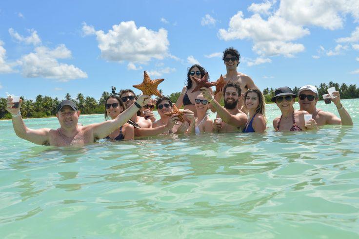 A turma toda na lagoa das estrelas do mar - Punta Cana - Ilha Saona