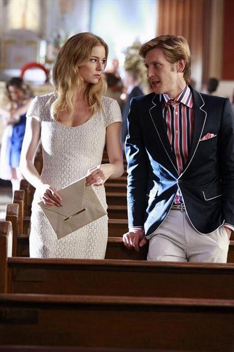 """Emily Thorne and Nolan Ross Talk at the Baptism in Revenge Season 2, Episode 9, """"Revelations"""""""