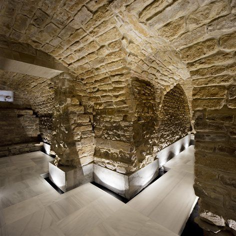 Restoration of the galleries of the Royal Granary of Carlos IV of Porcuna (Jaén) for future headquarters of the Archaeological Museum, Porcuna, 2017 - Pablo Manuel Millán Millán