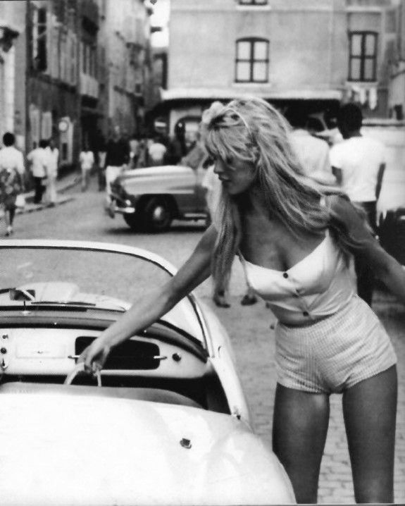 Brigitte Bardot in white, and just reaching for her basket - got to be Provence! www.provencedays.com