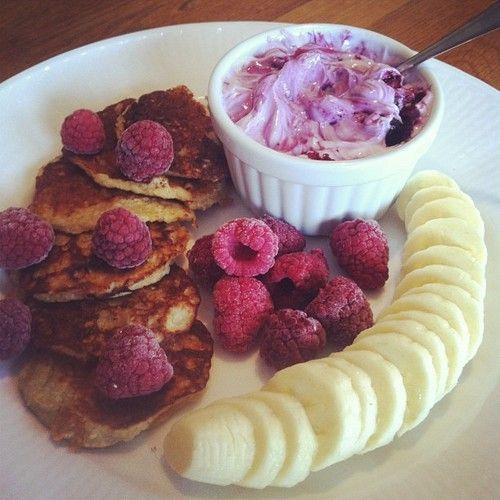 banana, berries, breakfast, eat healthy, fitness, food, foodgasm, foodporn, foods, fruit, fruits, healthy food, healthy pancakes, pancakes, protein pancakes, skinny, yum