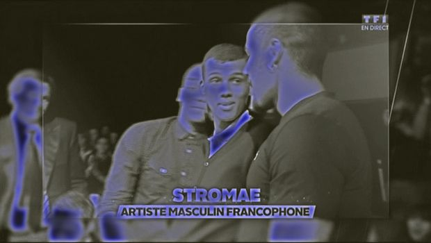 STROMAE: Stromae (Etterbeek, 12 maart 1985), de artiestennaam van Paul Van Haver, is een Belgisch singer-songwriter van hiphop en elektronische muziek. Stromae is van Belgisch-Rwandese afkomst. De naam Stromae is verlan voor maestro. Zijn teksten zijn Franstalig.
