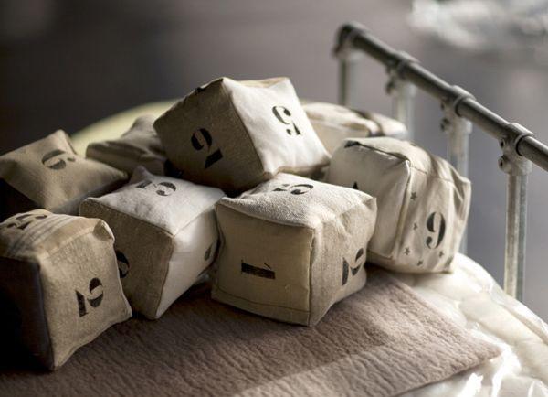 linen dice
