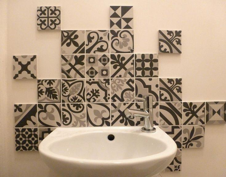 lave-main-WC-carreaux-de-ciment-noir-et-blanc