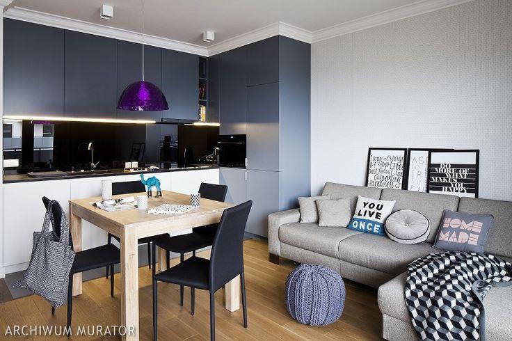 <p>Podczas <strong>aranżacji mieszkania</strong> ważne jest, by zdbać o funkcjonalne rozwiązania oraz ponadczasową elegancję. Szarości, biel i czerń sprawią, że wnętrze mieszkania nabierze charakteru.</p>