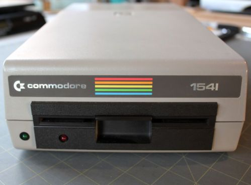 Vintage 1982 Commodore 64 1541 Floppy Disk Drive CBM DOS 2.6