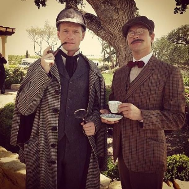 The 20 Best Gay Couples Costume Ideas For Halloween #gay #lgbt #costume #halloween #halloweencostume Neil Patrick Harris Halloween, Neil Patrick Harris Family, David Burtka, David Boreanaz, Easy Couple Halloween Costumes, Cool Costumes, Costume Ideas, Halloween 4, Sherlock Holmes Costume