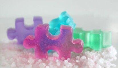 A empezar a hacer el puzle, pero primero lávate las manos.