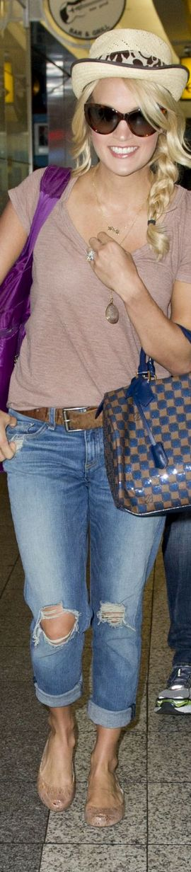~Carrie Underwood Carrying Louis Vuitton through LAX | House of Beccaria