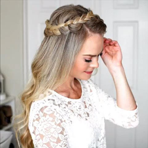 Below are step-by-step instructions for weaving a braid in Dutch and hairstyles from it. #braidedhairstyles