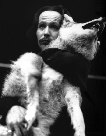 Gary Oldman Dracula Wolf