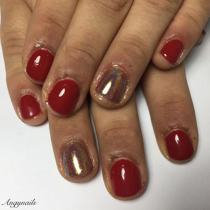 Nail art Natalizie!  #nails #nail #fashion #style #semipermanente #semipermanent #beauty #beautiful #pretty #girl #girls #stylish #sparkles #styles #glitter #nailart #red #photooftheday #rednails #unhas #love #shiny #polish #nailpolish #nailswagg #nailporn