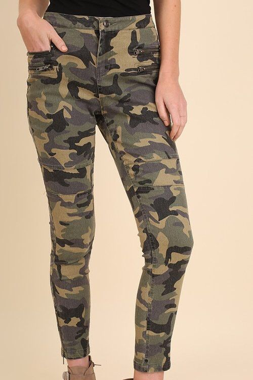 Camo skinny jeans by Umgee Ships 8/4