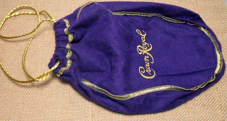 foto de Vintage Crown Royal Bag Pouch Felt Drawstring Liquor Bag Purple Gold Liquor Pouch