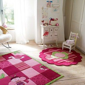 Flower Shape Rugs 2840 06 by Esprit feature bold blocks of pink and green colour with vibrant colourful stripes which will be an eye-catcher for young lifestyles.