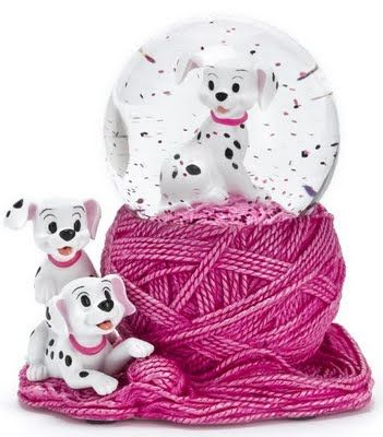 So cute!101 Dalmations  Description: Two cute characters sit on the pink ball of string effect base while a third perches inside the globe  Source: Disney Store Europe, Online  Timeframe: 2009    http://disneysnowglobescollectorsguide.blogspot.ca/search/label/101%20Dalmations