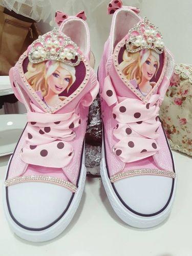 Χειροποίητα παιδικά αθλητικά τύπου all star στολισμενα με την αγαπημέν μας barbie  http://handmadecollectionqueens.com/παιδικα-αθλητικα-τυπου-all-star-στολισμενα-με-την-barbie  #handmade #fashion #sneakers type #allstar #storiesforqueens #Kid #footwear #girly