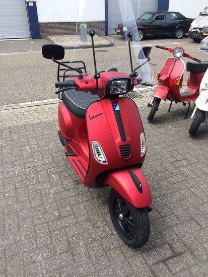 Custom Vespa S Opaco Rosso Candito - Scooterspot Amsterdam