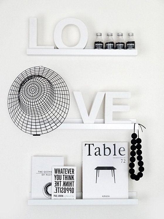 Simple shelf styling | Monochrome | Black and white | Modern | Scandi style | Home decor | Minimalist decor