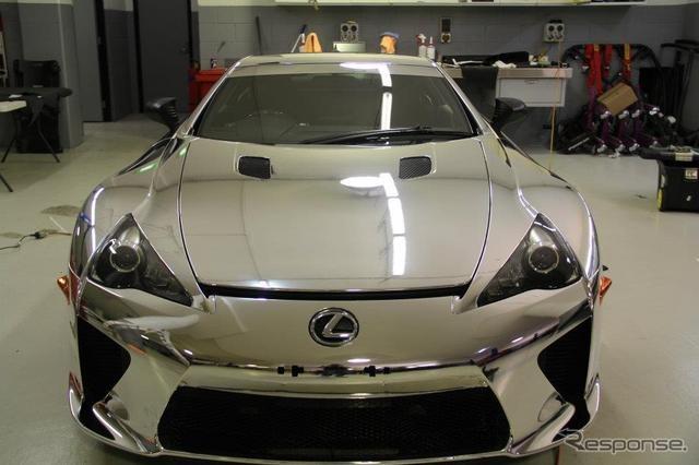 レクサス LFA、世界に1台の鏡面仕上げ…オーストラリア