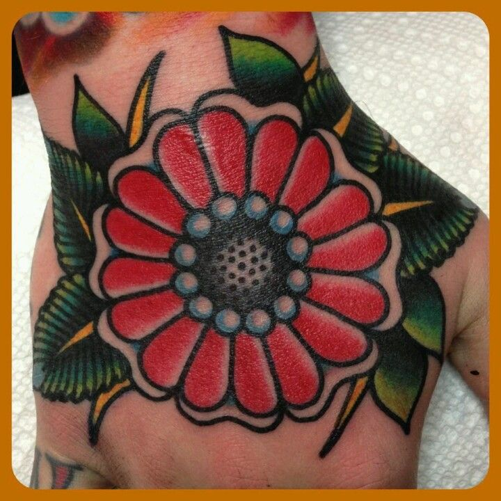 tattoo old school / traditional ink - flower @ hand (by Steve Byrne)