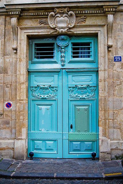 Teal Door,  Rue Le Regrattier  75004 Paris, France