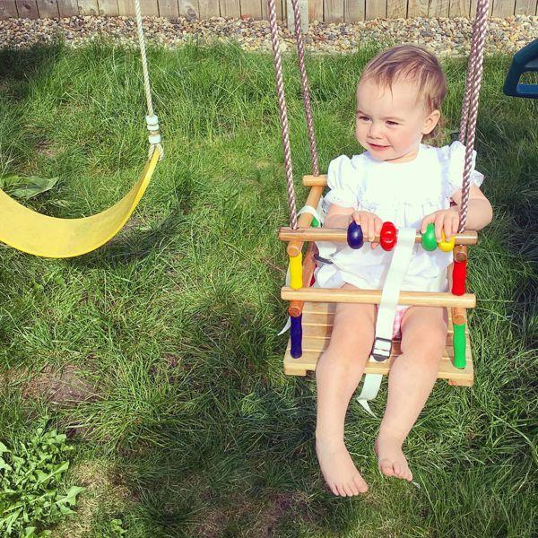 Best 25+ Wooden baby swing ideas on Pinterest | Wooden ...