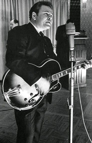Roy Clark (born 1933)