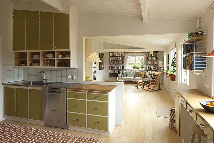 Handbyggt kök av Möllansverkstäder / hand-bygget oprindelige funkis køkken