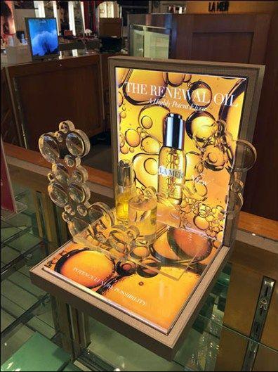 Acrylic Bubbles Cosmetics Display 1