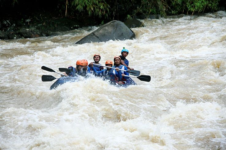 #Rafting akhir tahun  #Caldera_Indonesia #Rafting Citarik - Sukabumi, West Java Indonesia   Adventure with Care!