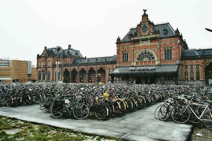 Je hebt een station en je hebt een station, oh ja, en een paar fietsen.