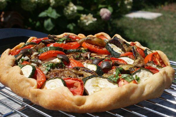 Просто как идея: рататуй и хлеб, точнее – тесто. Только не нужно эту галету называть пиццей, им обеим будет обидно! Веганская версия, между прочим! Тесто –…