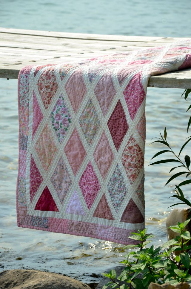 Diamonds are a Girls Best Friend quilt - Use the Gettysburg fabric with this, the diamonds are big enough...