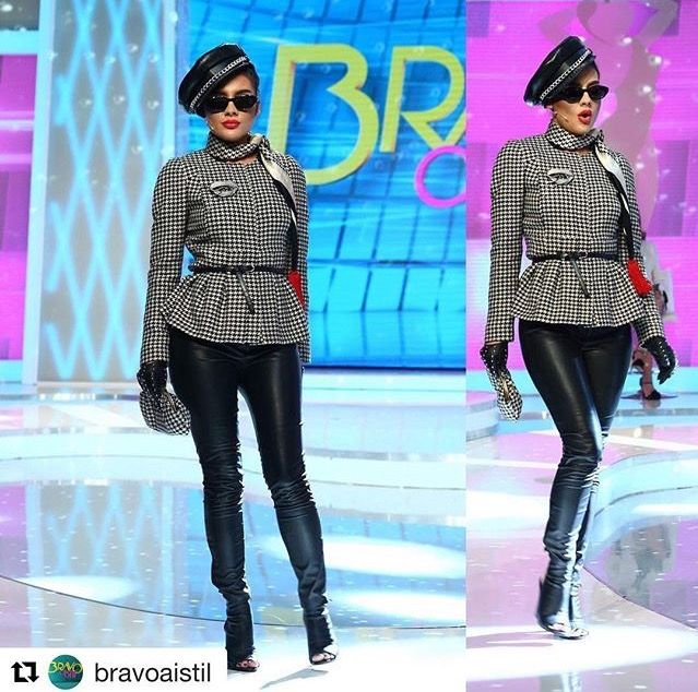 Fashion. Styling, Adela. Bravo ai stil.