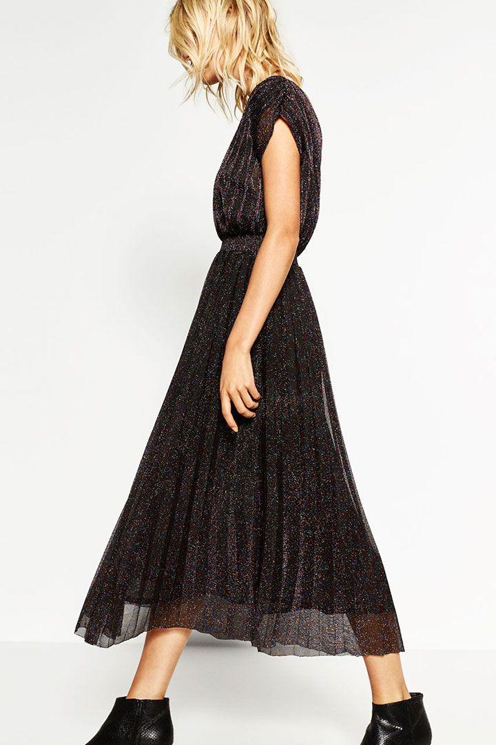 Faldas y vestidos midi entretiempo http://stylelovely.com/noticias-moda/faldas-y-vestidos-largos-para-aprovechar-el-entretiempo/